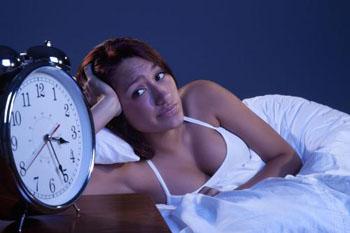 年轻人患有失眠应该怎么做?